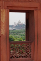 View of the Taj Mahal across the Yamuna River (Badly Drawn Dad) Tags: agra 16thcentury agrafort geo:lat=2717771887 geo:lon=7802356568 geotagged ind india uttarpradesh jahangirimahal