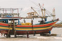 Cleaning a Fishing Boat, Bancar Indonesia (AdamCohn) Tags: adamcohn indonesia tuban tubanregency boat fishing fishingboat kapal kapalnelayan ship shipsboats wwwadamcohncom bancar