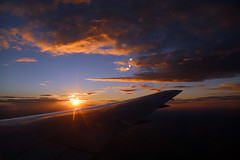 2016_10_03_lhr-ewr_172 (dsearls) Tags: 20161003 lhrewr sunset altittude flying newyork newjersey aerial windowseat windowshot united ual unitedairlines aviation wing airplane boeing boeing767 blue sky orange clouds pink altostratus altocumulus stratus sun