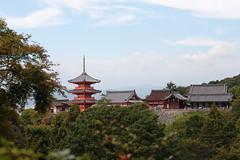 Kiyomizu dera (j.farrimond) Tags: kyoto japan temple shinto kiyomizudera red green religion tourism peace calm tranquil sky mountain retreat