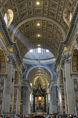 St Peters Basilica,Nave,looking to Baldachinno and Papal altar (cnosni) Tags: rome italy stpetersbasilica nave lookingtobaldachinnoandpapalaltar bernini