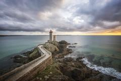 Phare du petit Minou (philippe MANGUIN photographies) Tags: minou phare finistere bretagne plouzane gouletdebrest lighthouse bzh mer ocean sunset pharedupetitminou