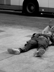 When the Dreams On (Job Homeless) Tags: hongkong mongkok monochorme streetsnap streetphotography homeless blackandwhite