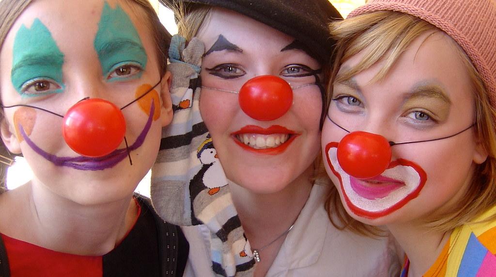 Young Clowns (David Abresparr) Tags: clown clowns nyköping clowner lösnäsa  culturum clownnäsa emiliafichtelius