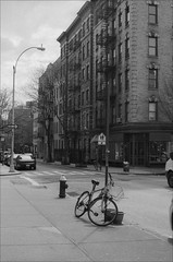 Greenwich Village (Adam Chin) Tags: nyc bw zeissikon greenwichvillage zeissbiogon35mm20 fujinepoan400