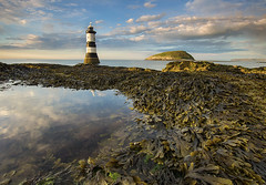 'Snap, Crackle & Pop' - Black Point, Anglesey (Kristofer Williams) Tags: sunset lighthouse seaweed beach pool reflections landscape coast sony anglesey penmon puffinisland penmonpoint a550 trwyndu lighthousetrek
