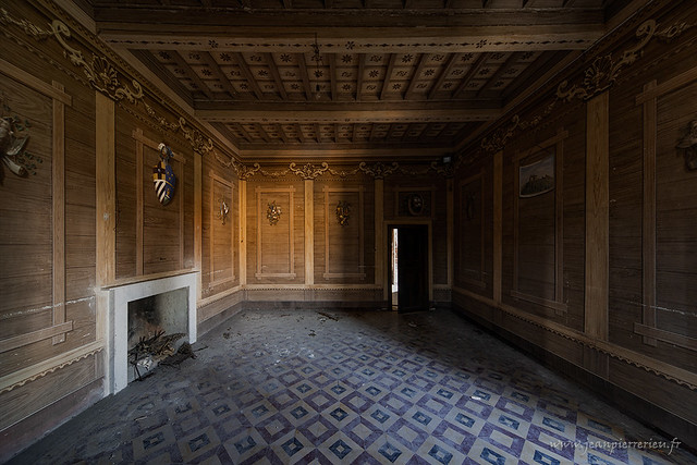 http://www.jeanpierrerieu.fr/galleries/villa-bastia/
