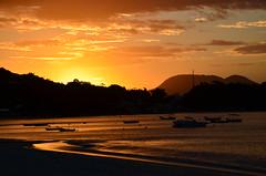 Porto Belo - SC (Fistarol) Tags: ocean sunset summer brazil sun praia nature brasil boats portobelo santacatarina