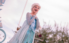 Frozen | Into the Magic (chris.alcoran) Tags: lighting chimney white snow color ariel water colors canon court project mouse photography eos three king dancers princess time little disneyland pirates magic mary lion royal bert 85mm tinkerbell disney mickey parade frog peter step aurora captain coloring belle monkeys pan cinderella minnie tiana hook mermaid aladdin flappers performers rapunzel cymbal mickeys drumline 6d poppins sweepers soundsational cablers intothemagic