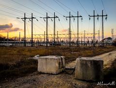 Haute Tension - Coucher de soleil (TripPhoto85) Tags: sun france electric soleil high nikon flickr 33 bordeaux tension haute voltage aquitaine gironde pessac 18105mm d5100