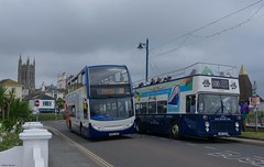 Quality To the Right of Me, Enviro on the Left (Better Living Through Chemistry37) Tags: buses bristol 22 frankie publictransport stagecoach scania enviro psv teignmouth adl route22 courtenayplace easterncoachworks 15868 riverlink bristolvr opentopbuses stagecoachdevon enviro400 teignmouthseafront uwv614s n230ud scanian230ud busesuk dartpleasurecraft stagecoachsouthwest railriverlink busessouthwest wa62aom sl36lxb