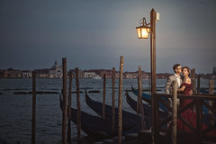 [somewhere in Venice] night lamp (pooldodo) Tags: wedding prewedding venice pooldodo taotzuchang europe italy bride groom