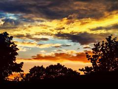 Balcony Sunset # 6 (Silke Klimesch) Tags: sonnenuntergang wolken silhouetten balkon sunset clouds silhouettes balcony coucherdusoleil nuages balcon atardecer nube prdosol nuvem tramontodelsole zachdsoca  gnbatm auringonlasku zonsondergang solnedgang zalazacsunca napnyugta zpadslunce olympus omd em5 zuiko om zuikoommcautos50mmf14 colorefexpro