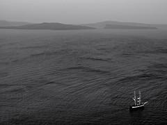 Santorini - Happy summer holidays flickrers :) (QoQ photography) Tags: qoq summer summertime sea greece santorini horizon mono monochrome sky island boat landscape bw blackandwhite mirrorless mft m43 minimal