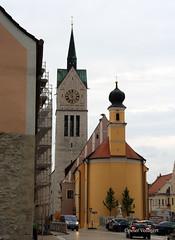 28-IMG_2946 (hemingwayfoto) Tags: bayern gebude gotisch kirche neustadt neustadtdonau religion stlaurentius stadtkirche turm uhr zwiebelturm