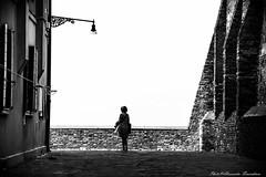 light on the horizon ... (alessandrafinocchiaro67) Tags: monochrome white black nikond750 fx venice mood nice nikonflickraward flickrtravelaward artisawoman nicefeelings