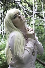 Pearl Garden (Sophie.Dituri) Tags: lindsay mccoy model pearls garden green forest color face ebauty sophie koryn dituri photo art concet fashion light artistic