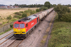Class 60 - 60100 (The_Anorak) Tags: branston footbridge burtonupontrent staffordshire england unitedkingdom uk greatbritain gb 10th august 2016 birminghamtoderbyline midlands diesellocomotive british rail railways railfreight freight ews dbs dbschenker class60 tug brush type5 60100 6m57 lindseyoilrefinery kingsburyoilsidings tea tanks petroleum oil