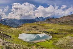 Laghetto dell'Alpe (m.2740) - Parco Nazionale dello Stelvio (marypink) Tags: laghettodellalpe parconazionaledellostelvio altavaltellina landscape lake valfurva mountains sky clouds nikond800 nikkor1635f40