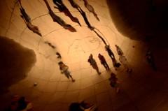 Sombras (Daniel.Lgnes) Tags: chicago millenniumpark usa expression expresin pared wall mirada look eyes ventanas edificios buildings nose nariz brilloenlosojos sombras shadows mirror espejo cloudgate silhouette silueta