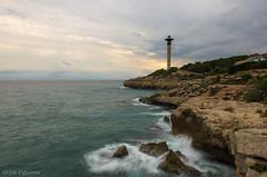Torredembarra (Cris_Figueras) Tags: far torredembarra mar seascape
