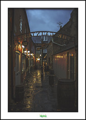 THE GAUNTLET SHOPPING THOROUGHFARE in GLASTONBURY (rgisa) Tags: street shopping ruelle gauntlet glastobury thoroughfare