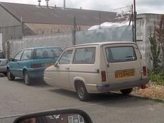 Reliant Rialto (occama) Tags: old uk 3 car wheel three beige cornwall british wheeler trike rialto reliant d724nod