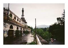 Fedele #5 (Lalangue.) Tags: analog nikonfm kodacolor consonno milano pioggia giornodipioggia cita ghosttown desolate