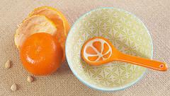 Mandarines or Mandarins? (judith511) Tags: mandarine mandarin bowl spoon hession fruit citrus