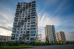 Isarbelle Munich (xxremixx) Tags: longexposure langzeitbelichtung ndfilter nd1000 nd3 house hochhaus skyscraper mnchen munich bayern bavaria deutschland germany isarbelle wohnhaus architecture architektur