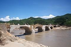 Puente Ro Papagayo en reconstruccin (Rubn HPF) Tags: guerrero tunel agua obispo mexico acapulco autopista rio papagayo puente mezcala zapote