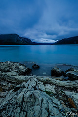 Lake Minnewanka (christianstapor) Tags: lakeminnewanka lake banffnationalpark banff nationalpark fujifilm fujifilmxt10 xt10 xf1024mm landscape sunrise clouds