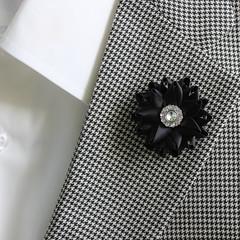 Wedding boutonnieres for men. http://buff.ly/2eHFZKs #etsy #weddings #2017wedding #mensgifts #style #men #gifts (petalperceptions.etsy.com) Tags: etsy smallbiz flowers jewelry
