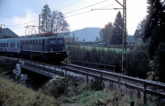 139 137  Titisee  01.11.75 (w. + h. brutzer) Tags: titisee eisenbahn eisenbahnen train trains deutschland germany railway elok eloks lokomotive locomotive zug 139 db e40 webru analog nikon