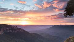 Eagle Hawk Lookout (Daniel_95) Tags: world blue mountains sisters lens three eagle hawk daniel scenic australia lookout nsw l 5d 1740 mkii danielnatoli daniel95 bluemountainsbushfire