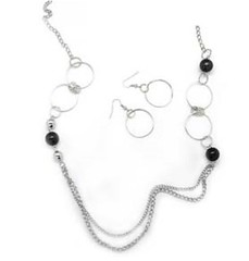5th Avenue Black Necklace P2110-2