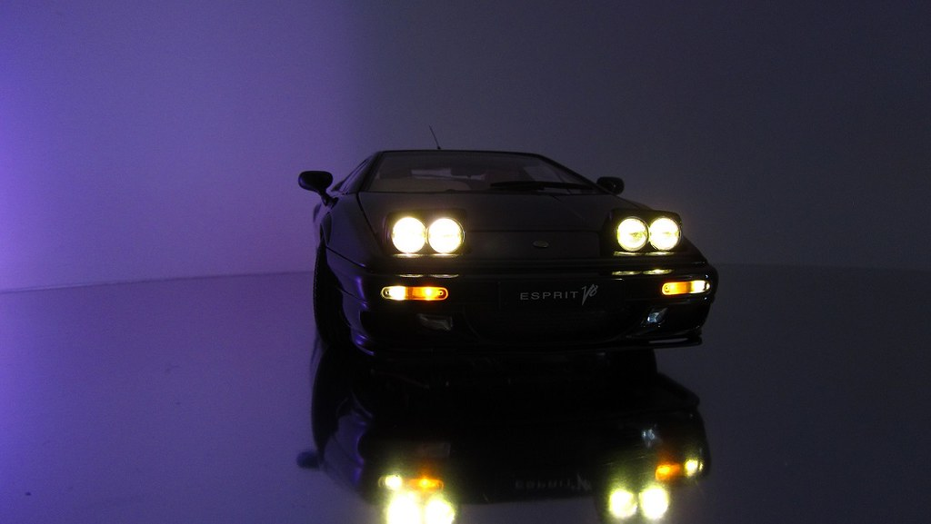 Lotus Esprit V8 Front Lighting (modell.lichtsysteme) Tags: Lighting Uk Art  Car