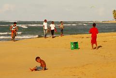 Domingo por la tarde (Basse911) Tags: beach children dominicanrepublic playa republicadominicana lasterrenas sundayafternoon samanapeninsula