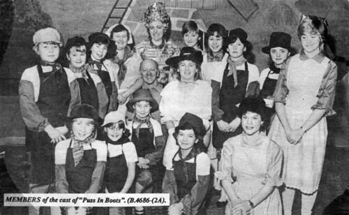 1984 Puss in Boots 09 (back from left x,x,x,Margaret Fielding, Pauline Womersley, Rachel Hancock, Julie Waterman,x,x,middle x,Rebecca Womersley, front x,x,x,x,x)