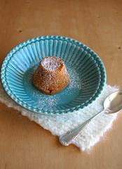 Dulce de leche molten cakes / Petit gateau de doce de leite (Patricia Scarpin) Tags: cake dessert baking easy dulcedeleche donnahay