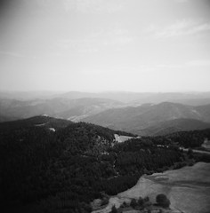 Sur la Route - Ardche (Ludovic Macioszczyk Photography) Tags: sur la route ardche holga cfn 120 kodak tmax 100 iso aot 2015 road trip holidays vacances expired sun nature countryside sky light ludovic macioszczyk analog photography plastique plastic toy camera cheap film pellicule low fi lomography lomographie vintage photo photographie argentique keep the alive ludos photographs france life shoot art picture world photographe m contraste contrast exposure ngatif dveloppement scan appareil lumire vie  tag monde earth noir et blanc black white monochrome