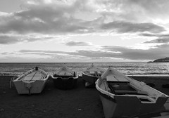 Barcas de Pesca en Playa de San Cristbal de Almucar (Toms Hornos) Tags: sea sky blackandwhite bw white black blanco beach water weather clouds boats mar y negro cielo fishingboat almucar monocromtico costatropical d3200 costagranada tomashornosortega