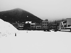Winter Scenes in Gero (Jon-F, themachine) Tags: winter blackandwhite bw snow monochrome japan digital asian outdoors asia cellphone monochromatic mobilephone gero  nippon japo grayscale oriental orient fareast  gifu   bnw nihon digitalphotography hida greyscale iphone japn 2016  nocolor     gifuken    geroonsen   iphonography xapn jonfu iphoneography  iphone6  snapseed
