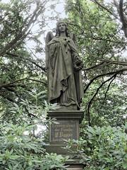 7974 Bremerhaven Friedhof (RainerV) Tags: 16071 bremen bremerhaven deu deutschland friedhof geo:lat=5351287110 geo:lon=859485850 geotagged grabmal nikonp7800 rainerv skulptur wulsdorf