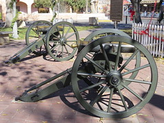 Nothing Says Christmas Like Some Civil War Howitzers (Patricia Henschen) Tags: newmexico albuquerque civilwar abq artillery oldtown howitzer
