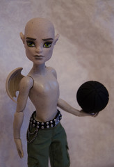 Do you want to play with me? #4 (~Loona~) Tags: monster high cam gargoyle create garboyle