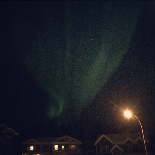 Aurora started In SE #yxy arched across sky, gaining pink ribbons. Here Jupiter shines bright in behind #Yukon