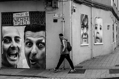 Street Faces   ///   Caras Callejeras (Walimai.photo) Tags: street plaza bw white black byn blanco face branco square lumix calle noir candid negro cara preto panasonic explore salamanca blanc oeste robado lx5