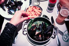 Feb 21 / quintessential belgian meal (Lindsay_NYC) Tags: beer lunch belgium mussels moulesfrites chezleon day52 day52365 365the2015edition 3652015 21feb15