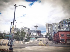 Heart Of The City - Seattle, Washington (, ) (dlau Photography) Tags: heart city seattle washington     spaceneedle      travel tourist vacation visitor people lifestyle life style sightseeing   trip   local   urban tour scenery   weather